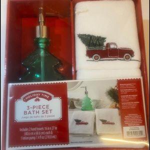Holiday Hand Towel and Bath Set